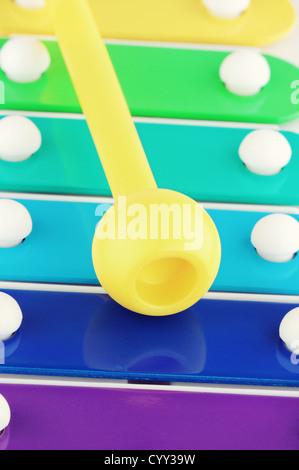Macro image d'un jouet pour enfant xylophone. Shallow DOF. Banque D'Images