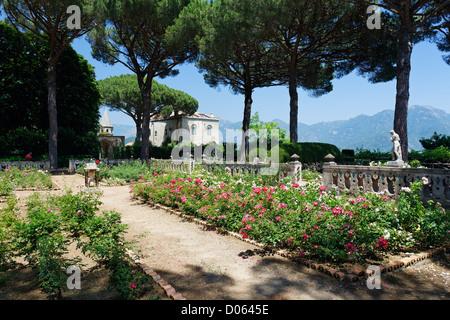 Jardin à Ravello, la Villa Cimbrone, Campanie, Italie Banque D'Images