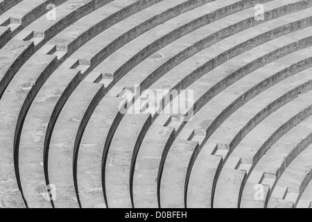 Escaliers formant un contraste élevé motif en noir et blanc Banque D'Images