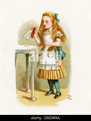 Alice avec la bouteille étiquetée drink me, de l'histoire de Lewis Carroll, Alice au Pays des Merveilles, Illustration Banque D'Images