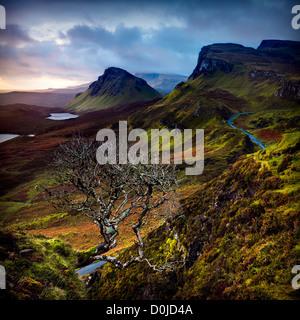 Une vue vers Quiraing sur l'île de Skye. Banque D'Images