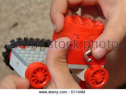 Garçon enfant enfants toddler pense pense Banque D'Images