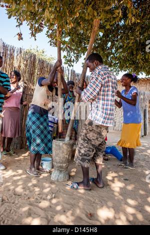 Faire des aliments africains autochtones Banque D'Images