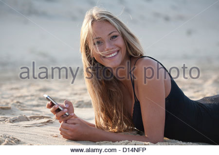 Woman on beach Banque D'Images