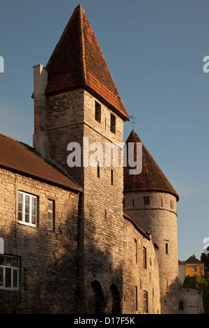 La ville médiévale avec windows Banque D'Images