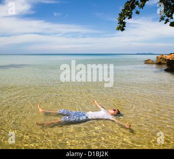 Paradise beach, tourisme, de vous détendre dans l'eau transparente Banque D'Images
