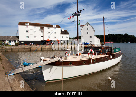 La location par le moulin à marée de Woodbridge Riverside, Woodbridge, Suffolk, Angleterre, Royaume-Uni, Europe Banque D'Images