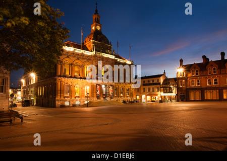 L'hôtel de ville au crépuscule, Ipswich, Suffolk, Angleterre, Royaume-Uni, Europe Banque D'Images