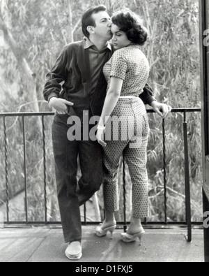 BOBBY DARIN (1936-1973) Le chanteur et acteur de film avec la chanteuse Connie Francis sur 1960