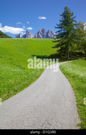 Val di Funes, la Province de Bolzano, Trentin-Haut-Adige/Sud Tyrol Italien, Dolomites, Italie, Europe Banque D'Images