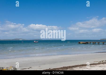 Plage de sable à Tayinloan à la recherche sur le son de Gigha à île de Gigha ARGYLL & BUTE Ecosse Banque D'Images