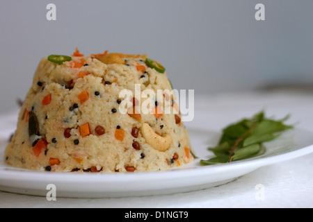 Upma est un célèbre plat indien du sud. Banque D'Images
