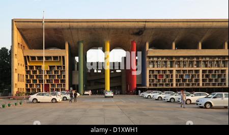 Le Corbusier, Haute Cour, détail de façade, Capitol Complex, Chandigarh, Punjab, India Banque D'Images