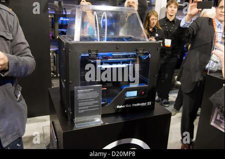 Las Vegas, États-Unis - 2013-01-08. MaketBot Replicator 2X unité complète, avec contrôle de température soient au Banque D'Images