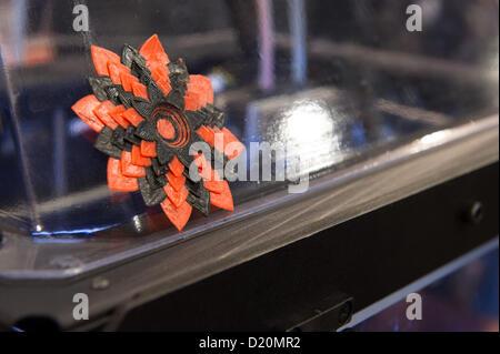 Las Vegas, États-Unis - 2013-01-08. Gros plan de l'impression de démonstration de la MakerBot Replicator 2X dévoilent Banque D'Images