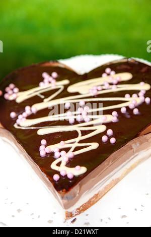 Gâteau au chocolat en forme de coeur Banque D'Images