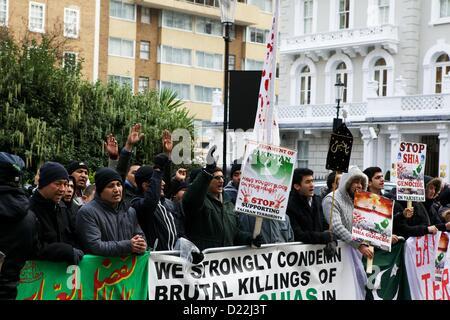 Londres, Royaume-Uni. 12 janvier 2013. Les membres de la communauté chiite musulmane prendre part à une manifestation Banque D'Images