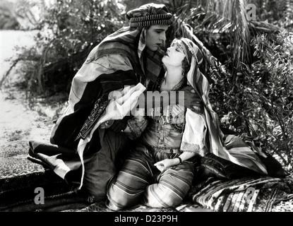 Der Scheich Sheik, le Rudolph Valentino, Agnes Ayres *** *** Légende Locale 1921 -- Banque D'Images