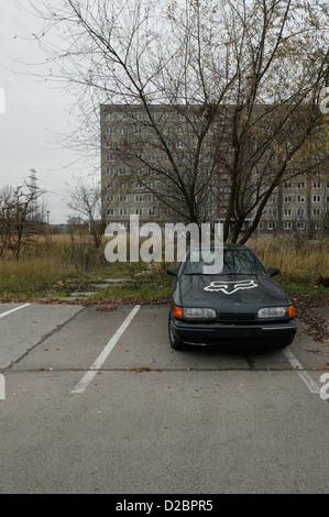 Berlin, Allemagne, et illégalement, agestelltes abgemeldetes, voiture à l'arrière-plan une plaque Banque D'Images