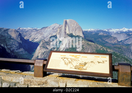 La Californie. Le Parc National Yosemite. Vue du Glacier Point. Demi-Dôme. Banque D'Images