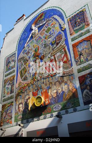 L'esprit de Soho, fresque à Broadwick Street, près de Carnaby Street London Banque D'Images