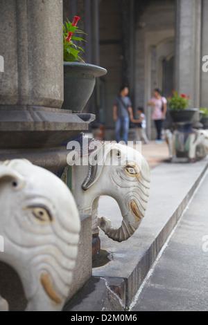 Des statues d'éléphants à l'Académie du clan Chen, Guangzhou, Guangdong, Chine Banque D'Images