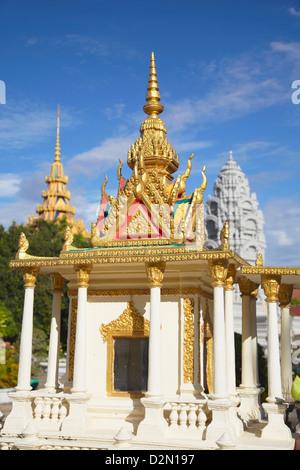 Lieu de culte à la Pagode d'argent au Palais Royal, Phnom Penh, Cambodge, Indochine, Asie du Sud, Asie Banque D'Images