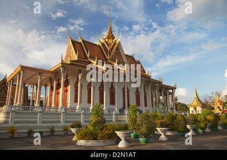 Pagode d'argent au Palais Royal, Phnom Penh, Cambodge, Indochine, Asie du Sud, Asie Banque D'Images