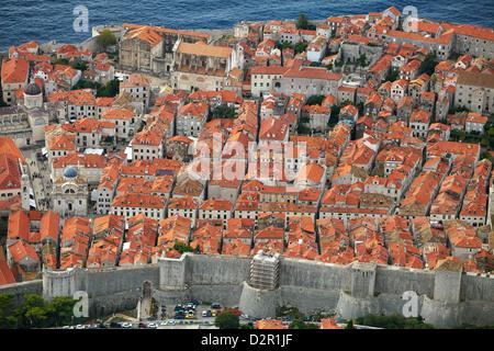 Vieille ville de Dubrovnik, l'ond des murs de la ville, la Croatie Banque D'Images