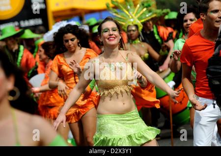 Berlin, Allemagne, danseuse au Carnaval des Cultures 2010 Banque D'Images