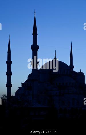 Silhouette de la Mosquée Bleue, Istanbul, Turquie Banque D'Images