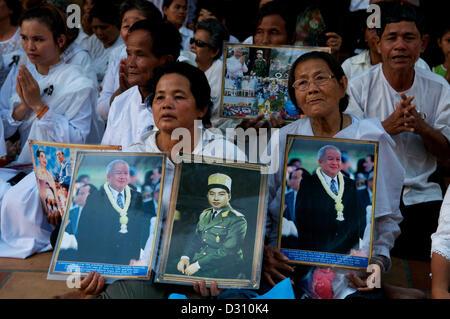 Les Cambodgiens pleurent la perte du Roi Norodom Sihanouk de Phnom Penh, Cambodge le lundi, Février 4th, 2013. crédit: Banque D'Images