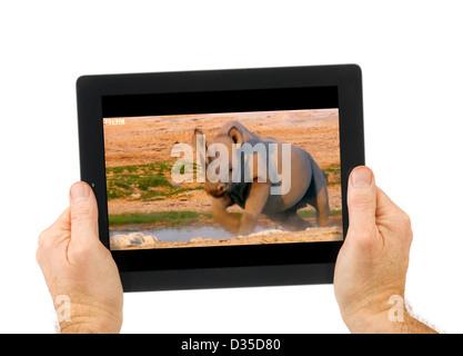 Regarder le streaming en ligne BBC iPlayer sur un Apple iPad 4e génération retina display tablet computer Banque D'Images