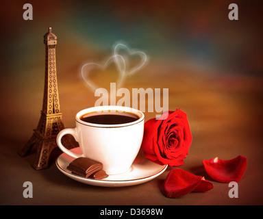 Photo de belle vie encore de l'Europe dessert, voyage à Paris, le café du matin avec des morceaux de chocolat sucré, Banque D'Images
