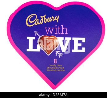 Boîte en forme de coeur en forme de cœur de Cadbury chocolat praliné noisette Banque D'Images