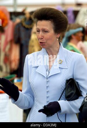 (Afp) - La princesse Anne, Princesse royale de Grande-Bretagne et d'Irlande du Nord, représenté à Osnabrück, Allemagne, 27 juin 2002. La princesse Anne a visité les troupes britanniques stationnées en Allemagne.