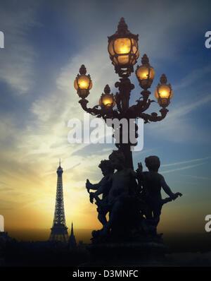 FR - PARIS: vue depuis le Pont Alexandre III Banque D'Images