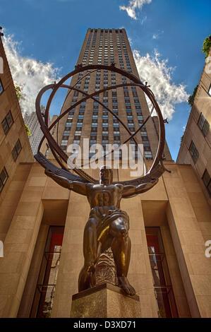 La Statue d'Atlas en face du Rockefeller Center de Manhattan, New York City. Banque D'Images