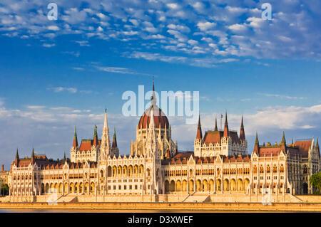 Le Parlement hongrois, de style néo-gothique, l'édifice conçu par Imre Steindl, Budapest, Hongrie, Europe, UE Banque D'Images