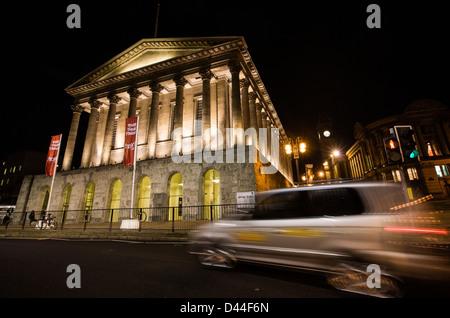Birmingham Town Hall de nuit, West Midlands, Royaume-Uni, Banque D'Images