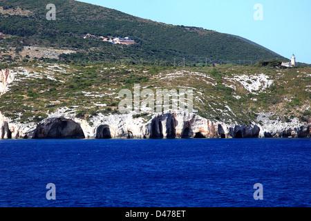 Vue sur la Grottes près de Skinari village, l'île de Zakynthos, Zante, Grèce, Europe. Banque D'Images