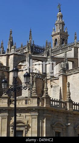 Séville, Espagne, vue sur le toit de l'église de Giralda de la Cathédrale de Séville Banque D'Images