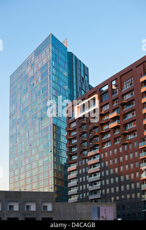 Centre-ville de bloc d'appartement et d'une tour à bureau. Melbourne, Victoria, Australie Banque D'Images