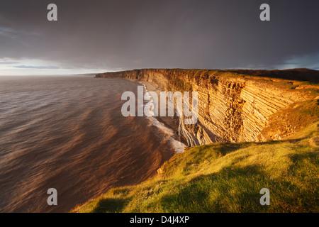 À partir de la côte du Glamorgan Nash Point. Vale of Glamorgan. Le Pays de Galles. UK. Banque D'Images