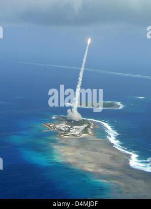 La Missile Defense Agency a effectué un vol d'essai le système de défense à mi-parcours au sol interceptor 31 janvier Banque D'Images