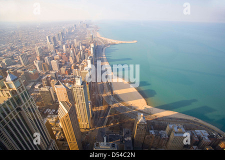 Chicago et le lac Michigan à partir de la 94e étage de la John Hancock Building, Chicago, Illinois Banque D'Images