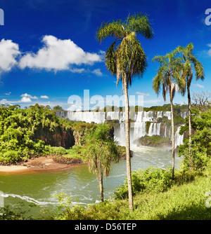 Iguassu Falls, la plus grande série de cascades du monde, situé à la frontière brésilienne et argentine Banque D'Images