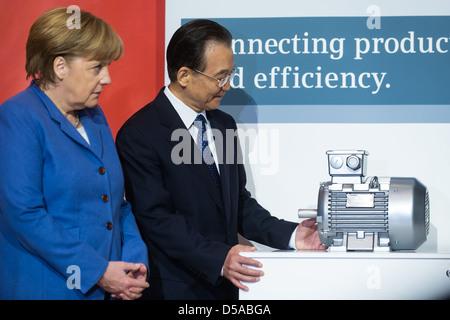 Hanovre, Allemagne, Wen Jiabao, premier ministre de la Chine, et Kanzlein fédérale, Angela Merkel, CDU, à la Foire de Hanovre