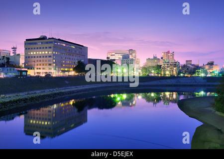 Okayama, Japon paysage urbain à la rivière Asahi. Banque D'Images