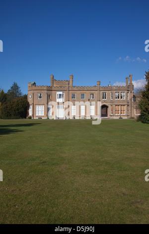 Le Nonsuch Hôtel particulier, situé dans les jardins de Nonsuch Park, entre Cheam Ewell et dans le sud de Londres, Banque D'Images